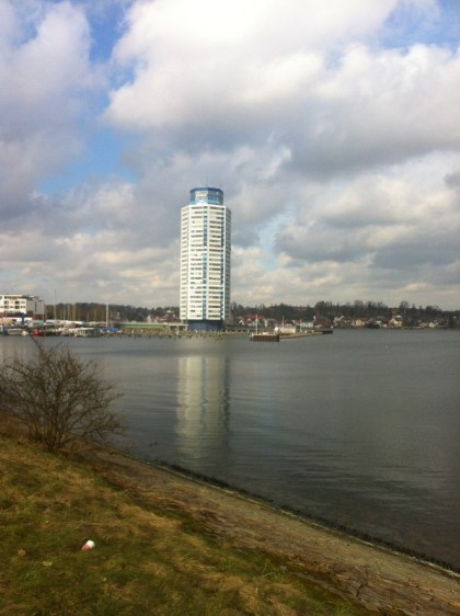 Blick über Hafen und Turm
