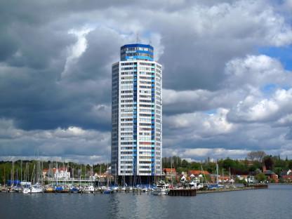 Wolkenkontraste & Wolkenkratzer
