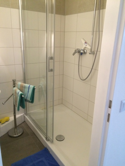 Dusche mit geringer Einstiegshöhe